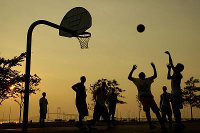 心理游戏,篮球,学校操场,游乐场,篮球框,阴影对焦,球,青少年,公园,青春期