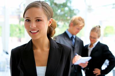 女商人,背景聚焦,正面视角,领导能力,健康,男商人,经理,男性,仅成年人,现代