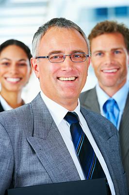 领导能力,商务,团队,垂直画幅,正面视角,健康,男商人,经理,仅成年人,眼镜