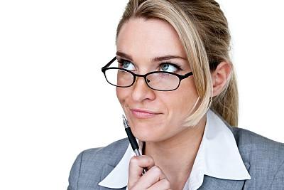 女商人,假笑,留白,智慧,套装,不看镜头,仅成年人,眼镜,想法,青年人