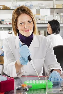 实验室,女人,职业,化学课,垂直画幅,化学家,科学实验,图像,仅成年人,知识