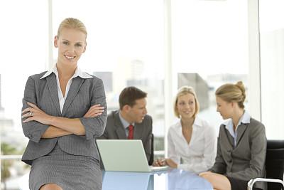 领导能力,商务,办公室,选择对焦,正面视角,留白,笔记本电脑,水平画幅,注视镜头,商务会议