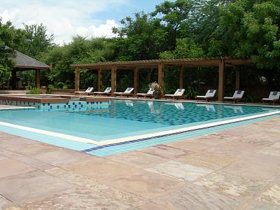 游泳池,凉棚,水,度假胜地,沙滩椅,休闲活动,水平画幅,进行中,椅子,热带雨林