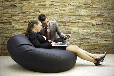 会议,办公室,笔记本电脑,水平画幅,忙碌,人群,套装,商务会议,白人,男商人