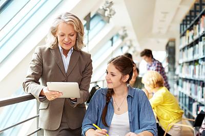 演讲室,讲师,智慧,男性,知识,青年人,动机,技术,50到59岁,女人