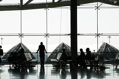商务旅行,机场,座位,水平画幅,旅行者,大门,交通方式,男商人,机场出发区,乘客
