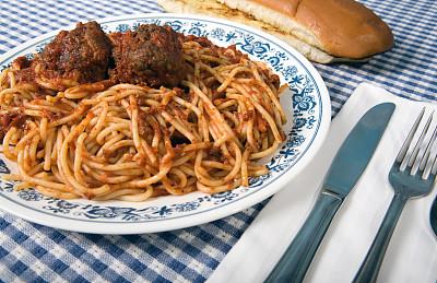 肉丸,意大利细面条,蒜蓉面包,海员酱,饮食,水平画幅,膳食,开胃酱,影棚拍摄,面包