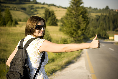 旅行者,在活动中,搭便车,水平画幅,陆用车,仅成年人,晕影效果,青年人,空的,动机
