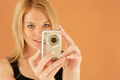 数码相机,美,水平画幅,美人,白人,仅成年人,青年人,彩色图片,人的脸部,技术
