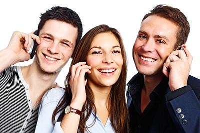 青年人,三个人,手机,美,少量人群,水平画幅,注视镜头,美人,男性,仅成年人