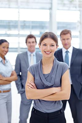 领导能力,垂直画幅,留白,套装,男商人,文档,经理,男性,仅成年人,青年人