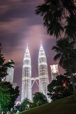 双峰塔,吉隆坡,垂直画幅,纪念碑,天空,夜晚,旅行者,户外,马来西亚,金属