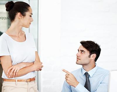 商务,专业人员,女人,青年女人,看,人,商务人士,男商人,男性