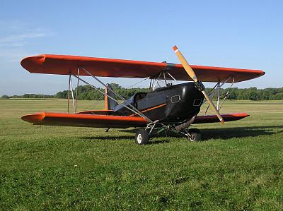 双翼飞机,小的,螺旋桨飞机,水平画幅,橙色,古老的,静止的,古典式,黑色,私人飞机