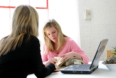 室内设计师,小办公室,办公室,笔记本电脑,水平画幅,纺织品,会议,商务会议,白人,居住区