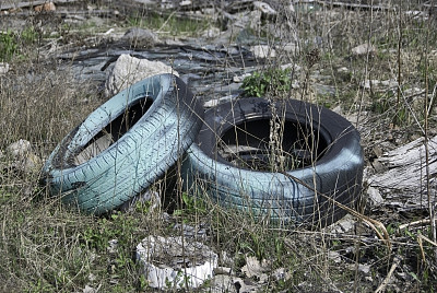 过时的,轮胎,废旧汽车场,垃圾,车轮,水平画幅,无人,环境损害,古老的,户外