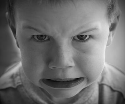 黑白图片,男孩,不高兴的,突击战术,固执己见,正面视角,男性,人的脸部,儿童,头像