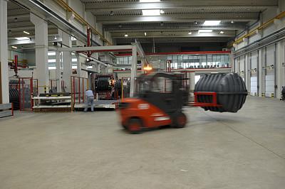 叉车,动作,留白,交通职业,水平画幅,工作场所,走廊,运动模糊,工厂,工业建筑