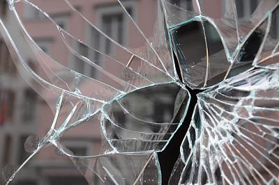 橱窗展示,坏掉的,理赔申请单,入室行窃,零售展示,洞,水平画幅,无人,商店,户外
