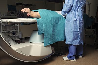 血管造影照片,动脉x光照片,放射科专家,水平画幅,白人,图像,男性,仅男人,仅成年人,医疗诊断工具
