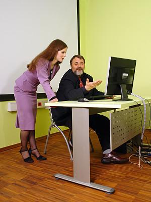 计算机,教师,学生,银影侠,垂直画幅,男商人,现代,技术,公司企业,成年的