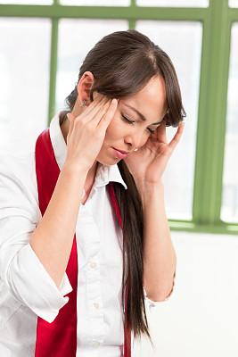 头痛,女商人,托腮,不舒服,垂直画幅,选择对焦,正面视角,美,不确定,悲痛