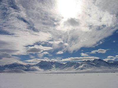 雪,山,哥德堡,放气的,手放在嘴唇上,冬天,光,街道,非都市风光,地形