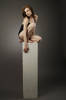 底座,女人,垂直画幅,美,青少年,留白,艺术模特,艺术,美人,泳装