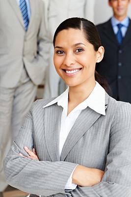 信心,女商人,双臂交叉,垂直画幅,正面视角,领导能力,半身像,优美,套装,图像