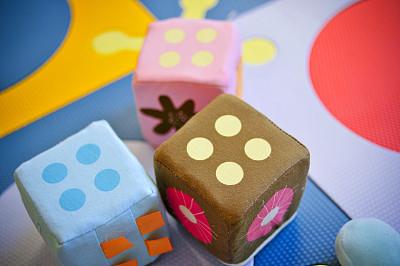 软垫,婴儿,水平画幅,骰子,幼儿园,游乐场,成品,童年,家庭,生活方式