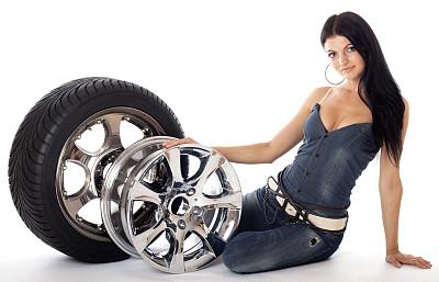 轮胎,disk,美,车轮,水平画幅,美人,白人,仅成年人,工作室,青年人