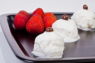 冰淇淋,奶制品,水平画幅,奶泡,奶油,意大利冰淇淋,夏天,甜点心,开心果,白色