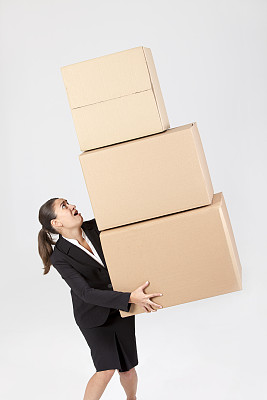 褐色,女商人,盒子,负担过重,垂直画幅,垒起,情绪压力,纸板,过度劳累,专业人员