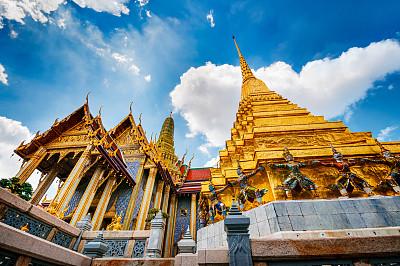 玉佛寺,曼谷,寺庙,交通工具内部,天空,灵性,古老的,夏天,著名景点,金色