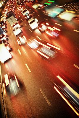 交通堵塞,垂直画幅,夜晚,无人,市区路,交通,曙暮光,户外,多车道公路,镜头眩光