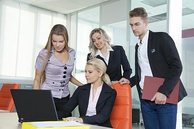 团队,外包,少量人群,商务关系,男商人,文档,经理,男性,仅成年人,青年人
