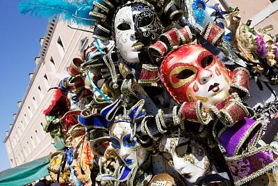 Venetian masks on sale in Venice. Italy. ?http://www.massimomerlini.it/is/venicecarnival.jpg?http://www.massimomerlini.it/is/venice.jpg