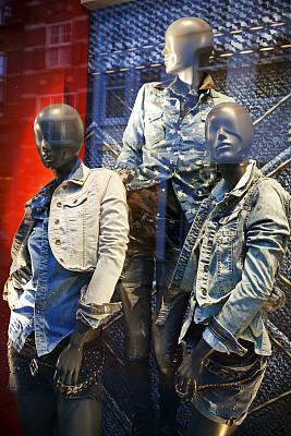 休闲装,橱窗展示,服装店,垂直画幅,零售展示,无人,商店,户外,荷兰