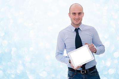 拿着,平板电脑,男人,背景虚化,轻的,剃光头,秃头,30到39岁,留白,水平画幅