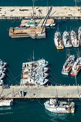 扇贝,护送队,芳迪海湾,新斯科舍,渔镇,拖捞船,水湾,垂直画幅,成一排,码头