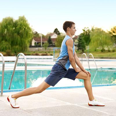 松弛练习,水,四肢,休闲活动,腿,健康,夏天,草,男性,仅男人