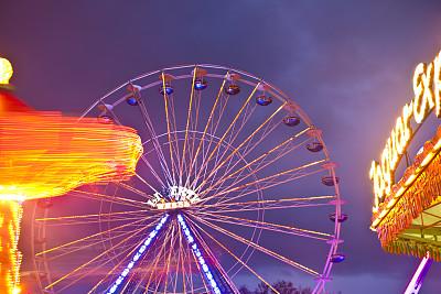 旋转类游乐,夜晚,旋转秋千,中途岛,过山车,悉尼月神公园,眩晕的,旋转木马,紫外线