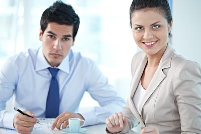 女性,男商人,新创企业,文档,经理,男性,仅成年人,青年人,专业人员,青年男人