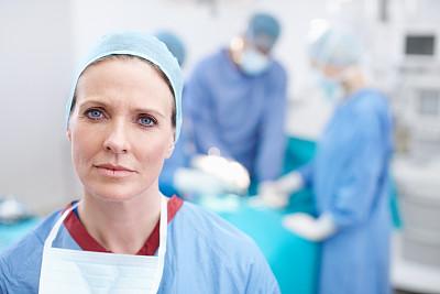 数,数字2,急诊处,手术室,留白,面罩,男性,仅成年人