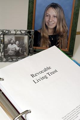 文档,家庭,生活方式,照片,全权代理委托书,垂直画幅,边框,父母,特写,仅成年人