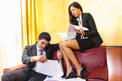 商务人士,水平画幅,美人,白人,男商人,男性,仅成年人,青年人,领带,青年男人