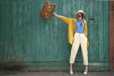 乐趣,女孩,手提箱,奇异的,时尚,鞋子,时装模特,黄色,草帽,古老的
