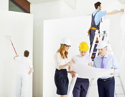 建筑工地,蓝图,建筑师,正面视角,建筑承包商,套装,男商人,经理,安全帽,男性