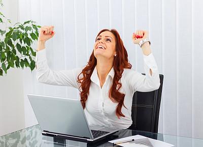 女商人,四肢,套装,仅成年人,想法,青年人,技术,计算机,公司企业,书桌