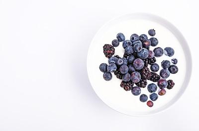 酸奶,蓝莓,黑色,在上面,餐具,水平画幅,黑刺莓,素食,无人,特写